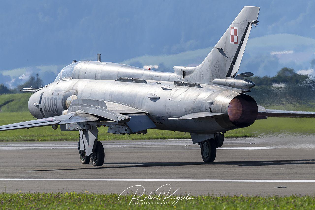 Sukhoi Su-22M4 (NATO Code: FITTER)
