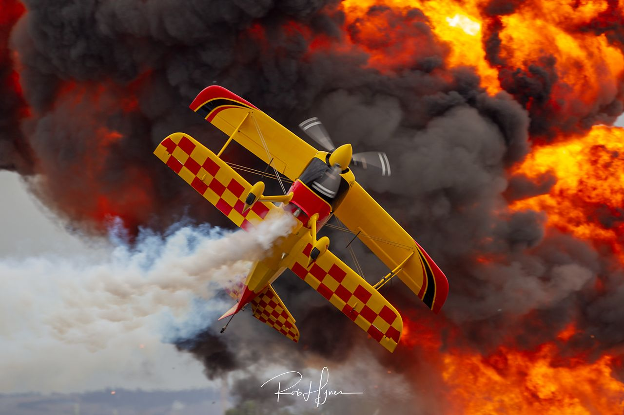 Paul Bennett Airshows   - © by Rob Hynes