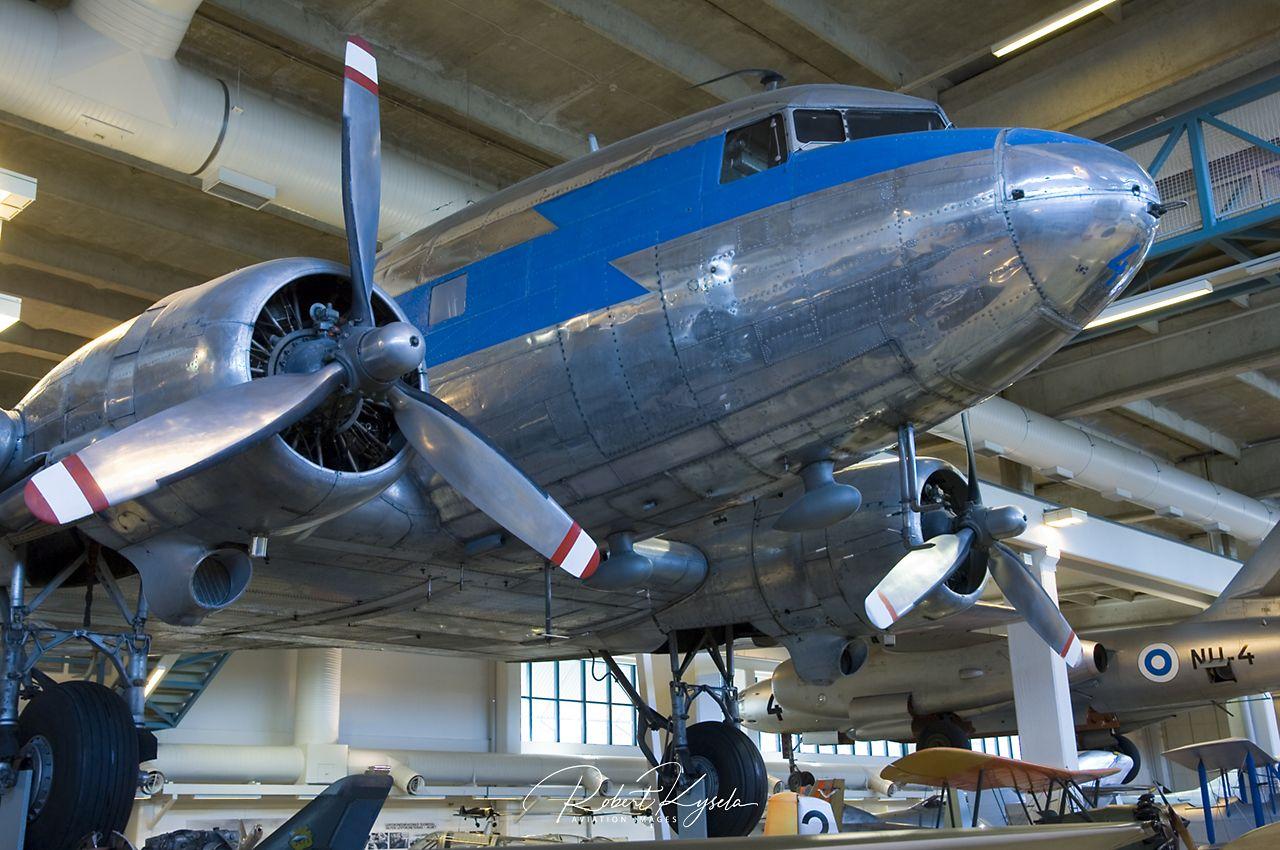 Douglas C-47 GOONIE BIRD   - © by Robert Kysela
