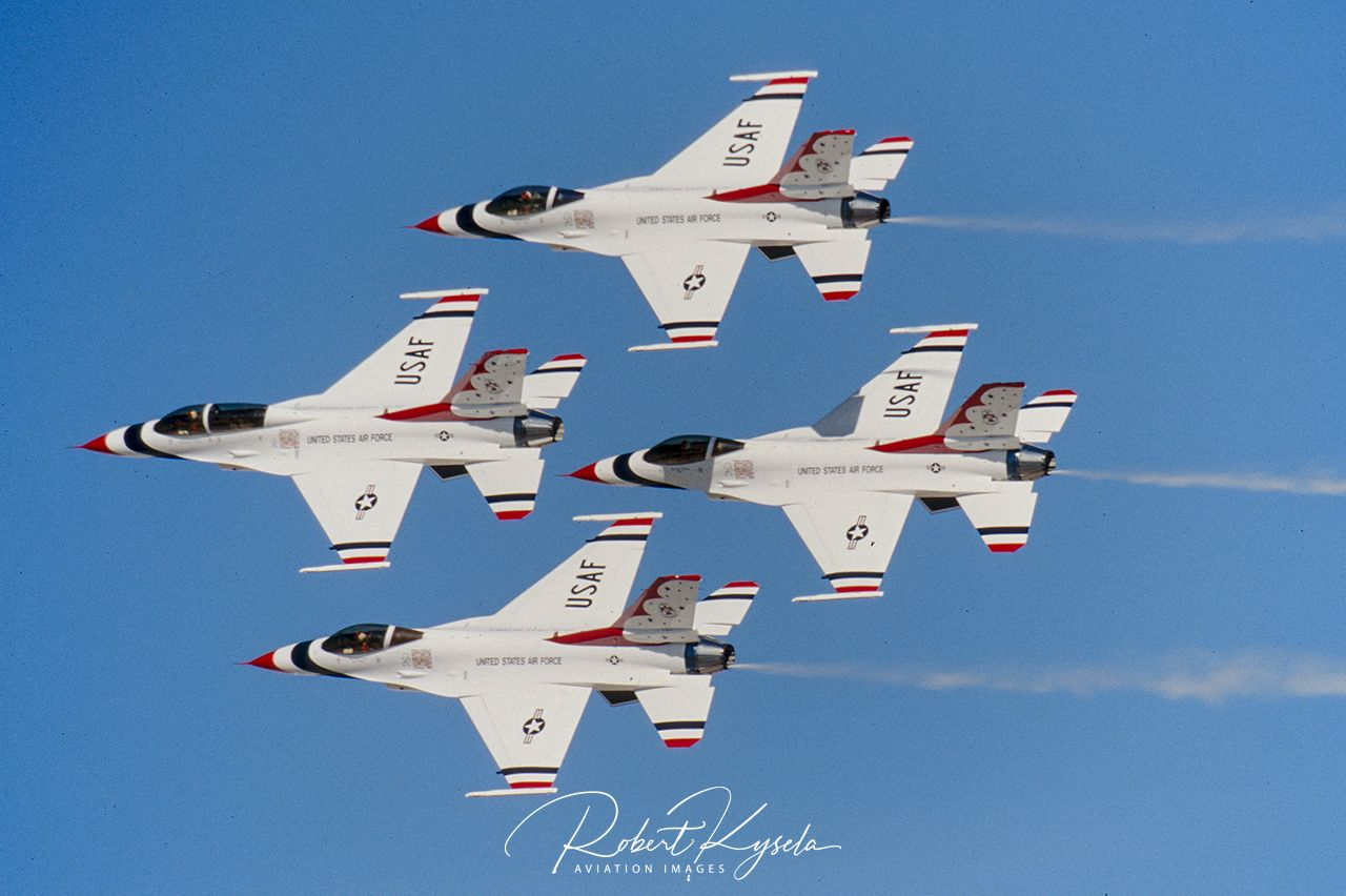 USAF THUNDERBIRDS - © by Robert Kysela