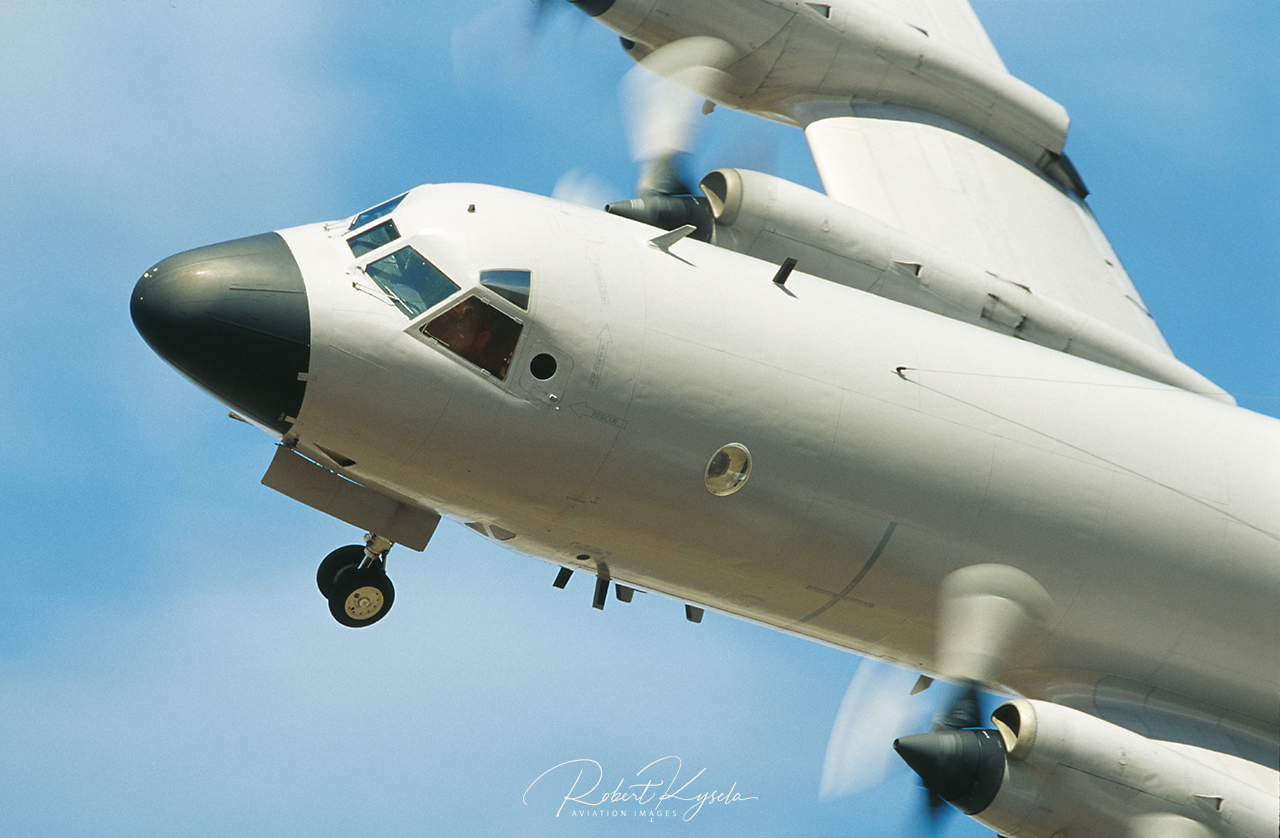 Lockheed AP-3C ORION  -  © by Robert Kysela