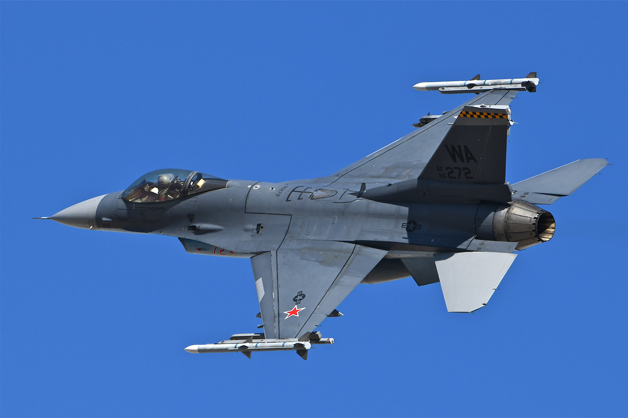 Lockheed Martin F-16C VIPER  -  © by Shawn Clish