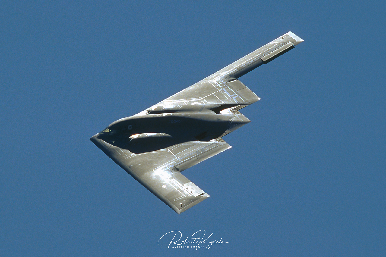 Northrop B-2A SPIRIT  -  © by Robert Kysela