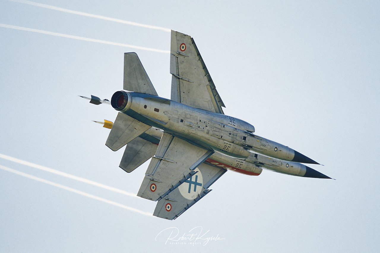 AMD MIRAGE F.1D  -  © by Robert Kysela