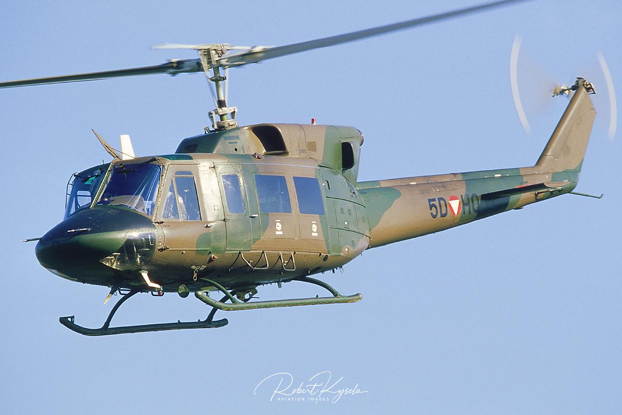 Agusta Bell AB-212  -  © by Robert Kysela