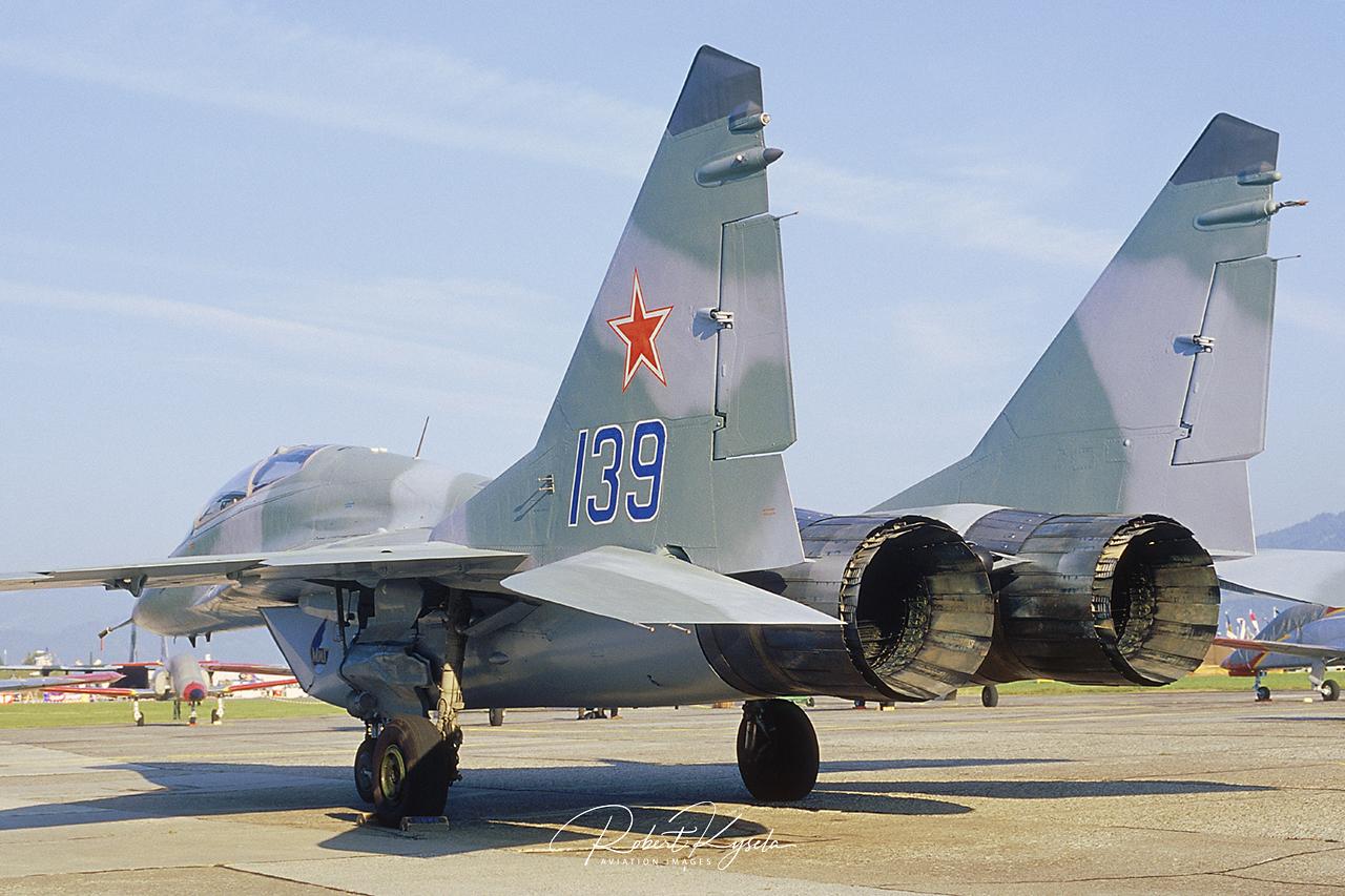 Mikoyan & Gurevich MiG-29 SE (NATO Code: FULCRUM C)  -  © by Robert Kysela