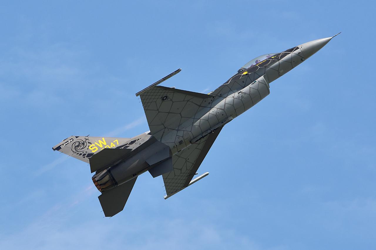 Lockheed Martin F-16CM VIPER  -  © by Shawn Clish