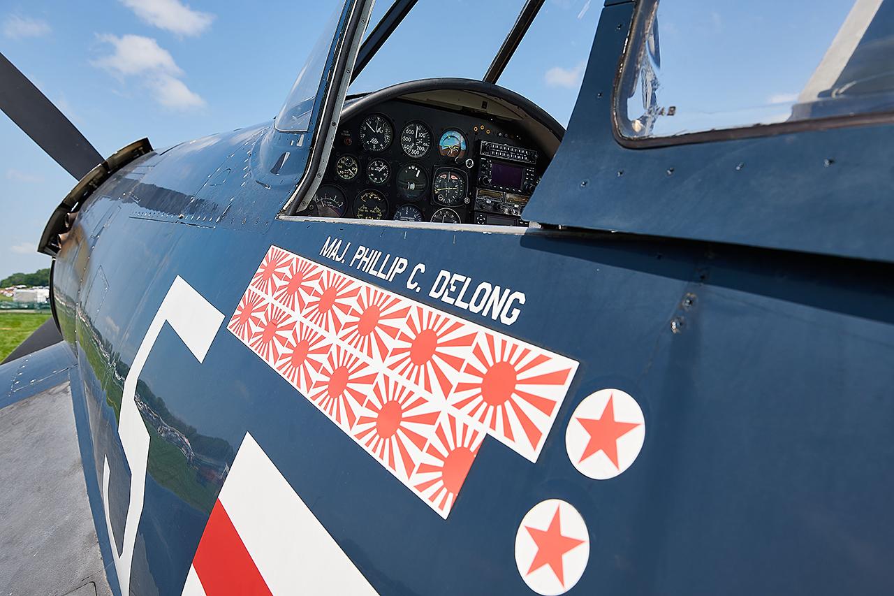 Chance Vought F-4U4 CORSAIR  -  © by Shawn Clish