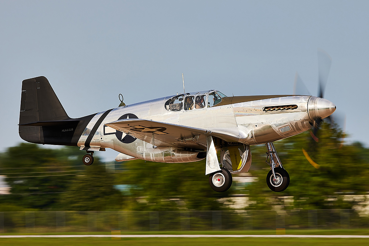 North American P-51C MUSTANG  -  © by Shawn Clish