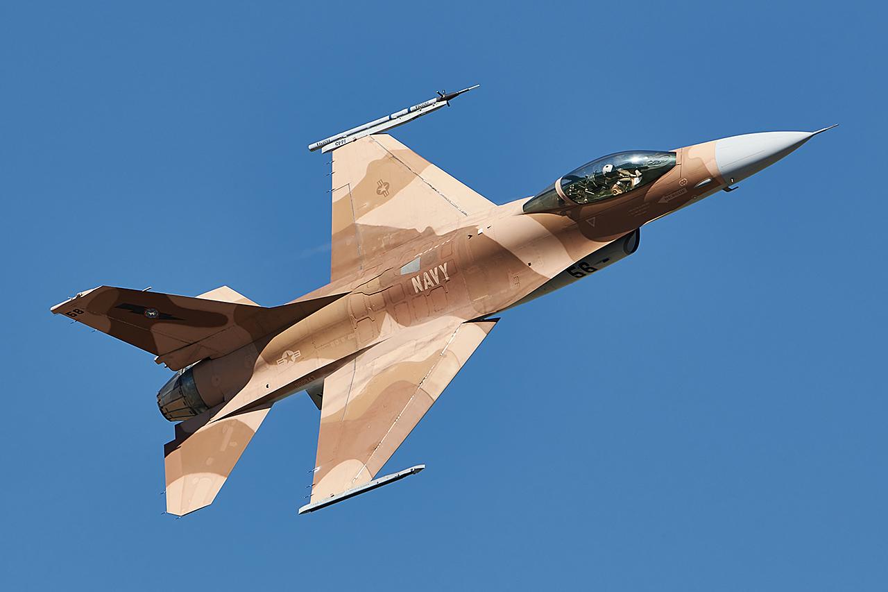 Lockheed Martin F-16A VIPER  -  © by Shawn Clish