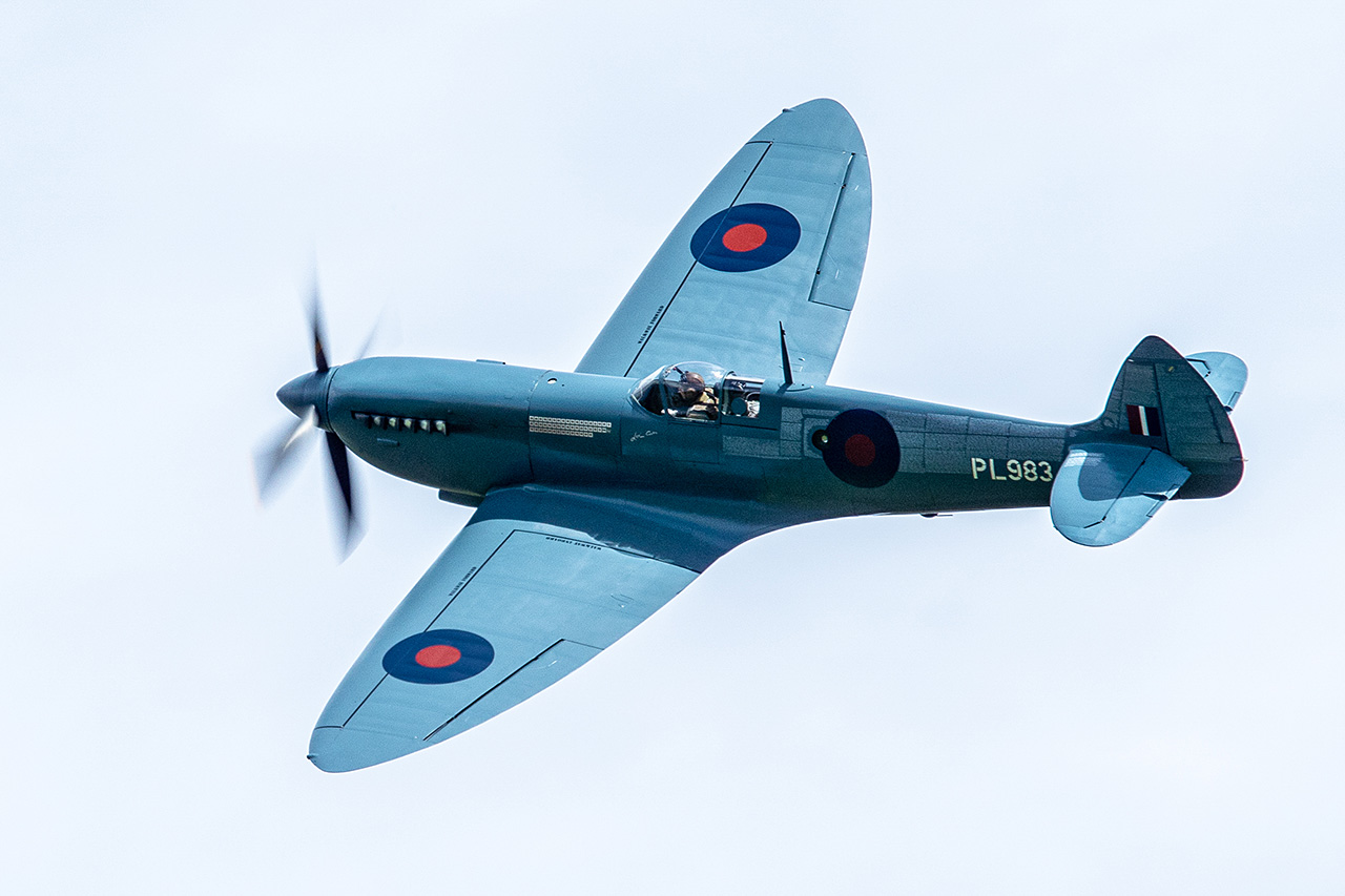 Supermarine SPITFIRE PR. XI  -  © by Will Moore