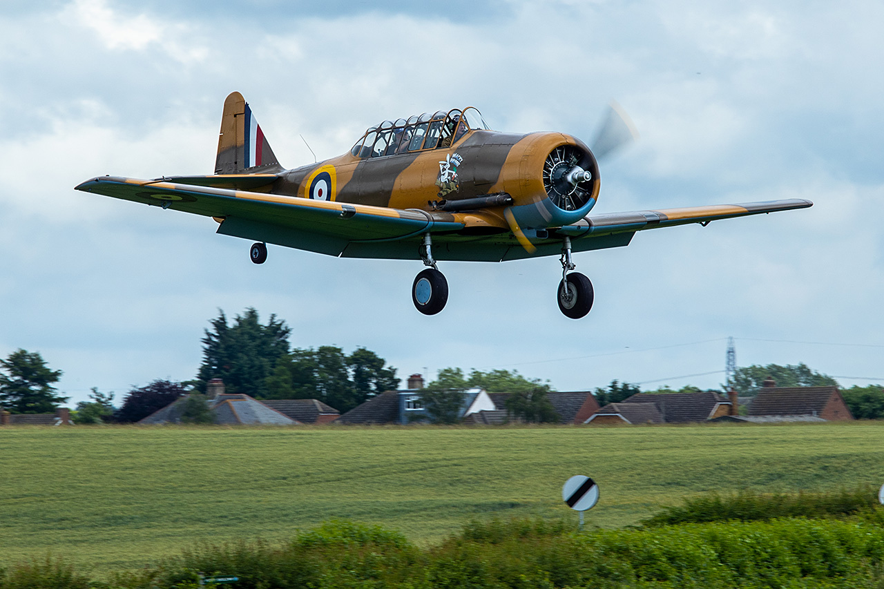 North American AT-6 HARVARD  -  © by Will Moore