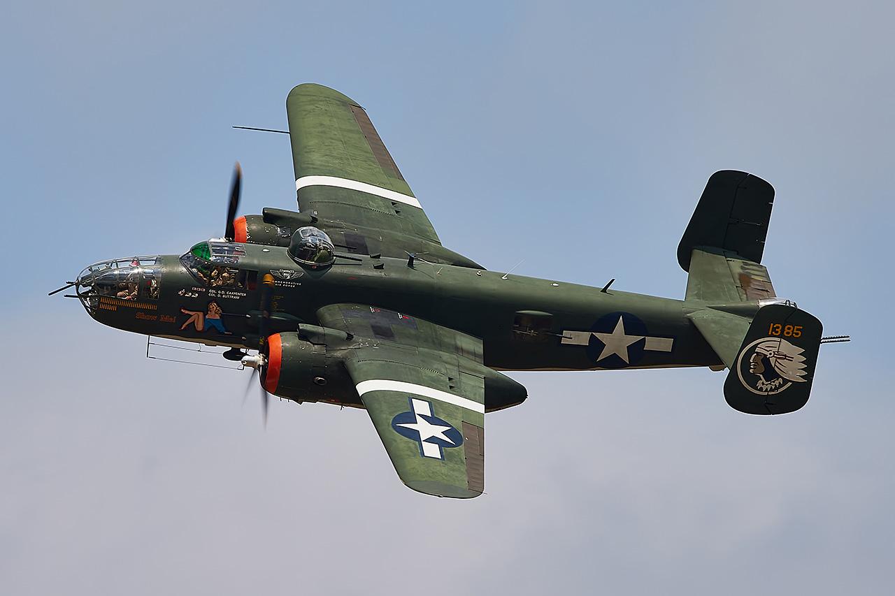 North American B-25J MITCHELL  -  © by Shawn Clish
